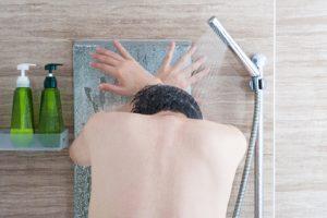 抜け毛予防に効果が期待できるシャンプーの選び方から洗い方まで