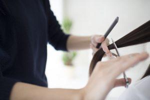 女性の薄毛を簡単に隠せる髪型7選とプロが教えるブローのポイント