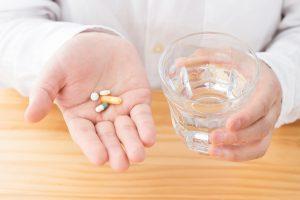 飲む育毛剤の危険なリスクに要注意!おすすめの薬とサプリ