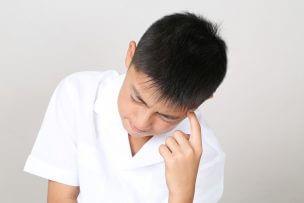 中学生でフケが出る原因と今日から自宅でできる対策のポイント