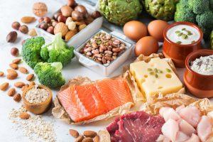 抜け毛を防ぐ食べ物11選と注意したい食習慣|より確実な薄毛対策まとめ