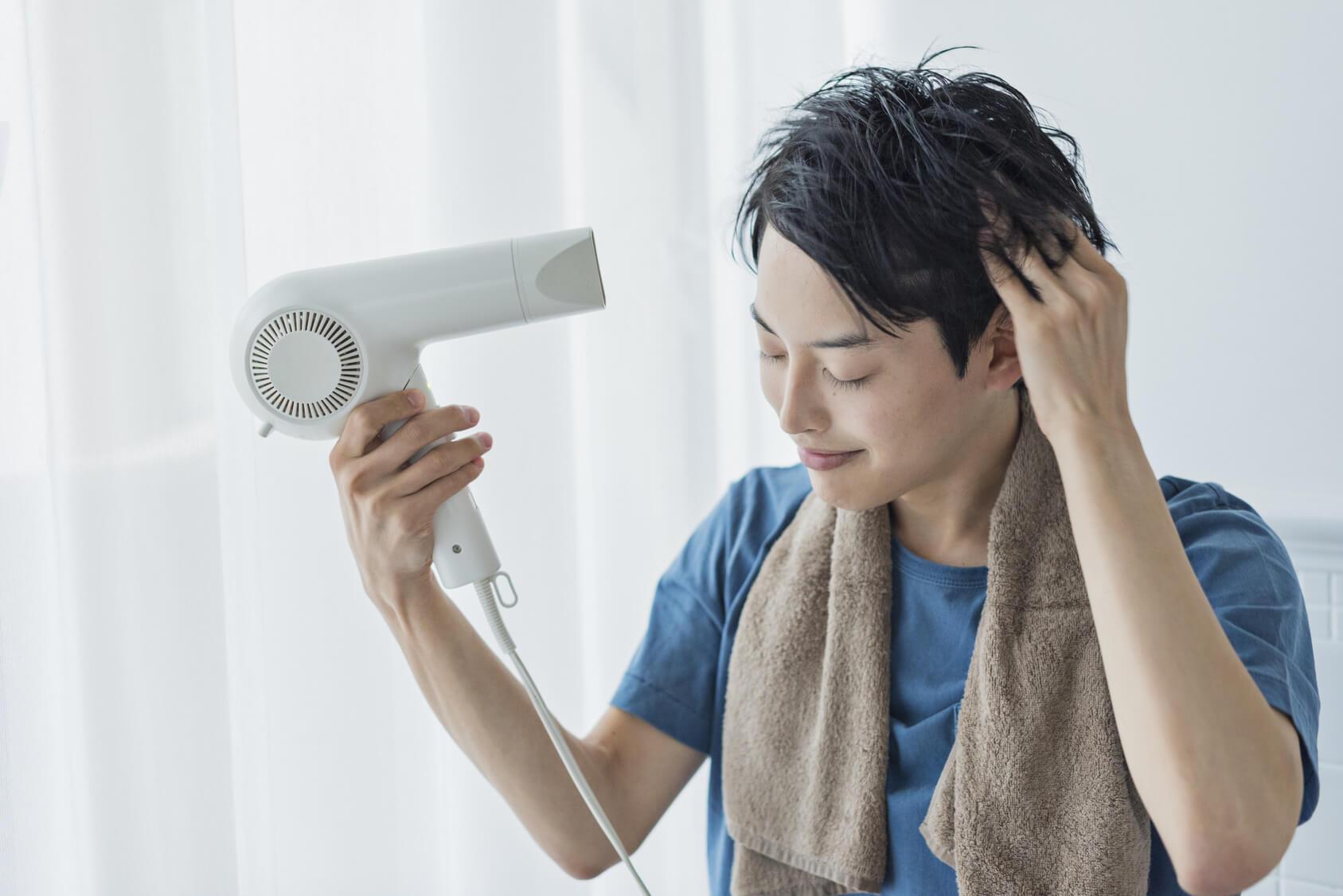 髪を乾かすイメージ