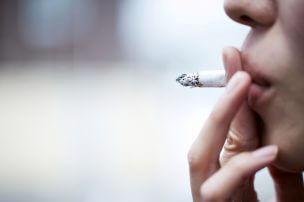 薄毛を予防する『日頃のケア』「タバコは控える」