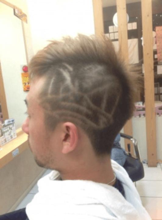 ドナルドライン個性派坊主ツーブロックヘアのイメージ